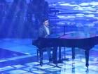 'Amor Perfeito': Edu Camargo canta música consagrada por Roberto Carlos