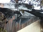 Duas casas de madeira são incendiadas no centro de Paiçandu