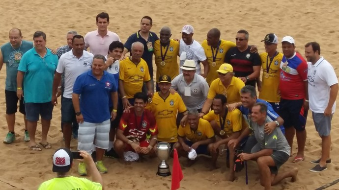Craques do beach soccer e do campo se reuniram no ES (Foto: André Rodrigues)