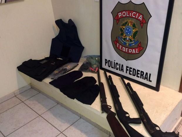 Armas foram apreendidas com agricultor em Serra do Mel, RN (Foto: Dovulgação/PF)