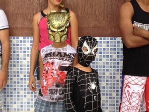 Mini super-heróis foram para a folia no Bloco Furacão Kids  (Foto: Isis Capistrano/G1)