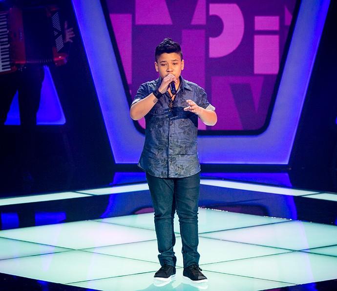 Roberto Matheus cantou 'Cê que Sabe' e cativou plateia (Foto: Isabella Pinheiro/Gshow)