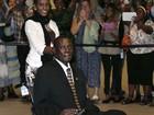 Sudanesa condenada por conversão ao cristianismo chega aos EUA