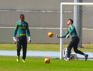 Renan treino Botafogo (Foto: Thales Soares)