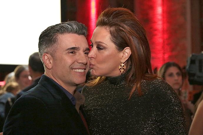 Fofos! Claudia dá beijinho em Jarbas (Foto: Isabella Pinheiro/Gshow)