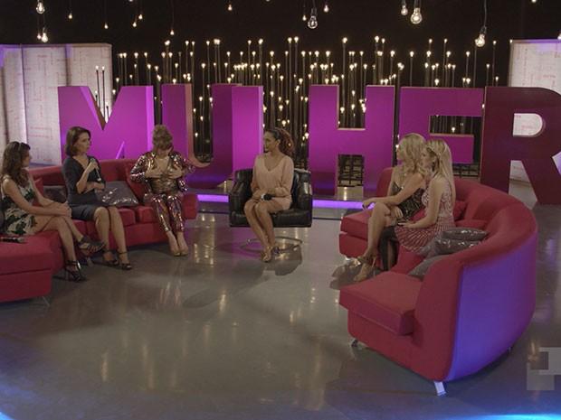 Verônica Monteiro comanda o debate com as cinco mulheres da vida de Jonas Marra (Foto: Parker TV)
