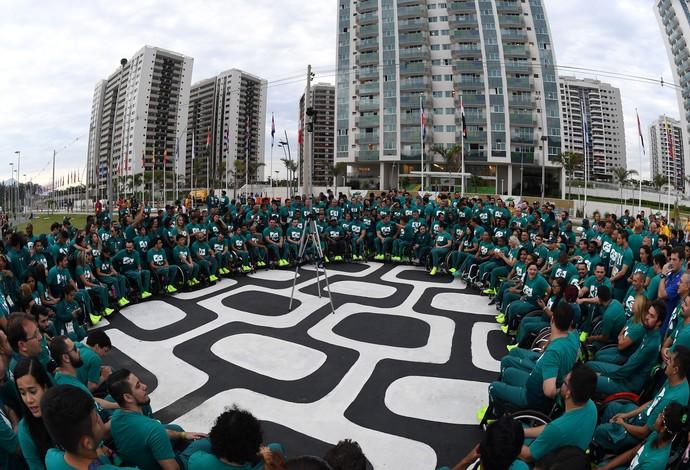 Time Brasil Paralímpicos na Vila  (Foto: André Durão)