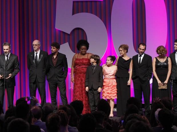 Elenco de 'Avenida Brasil' em prêmio no Rio (Foto: Leo Marinho e Roberto Filho/ Ag. News)