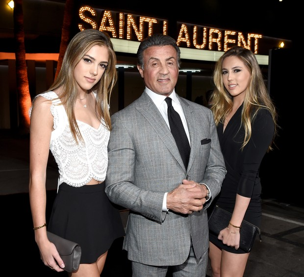 Sylvester Stallone com as filhas (Foto: Larry Busacca/Getty Images/AFP)