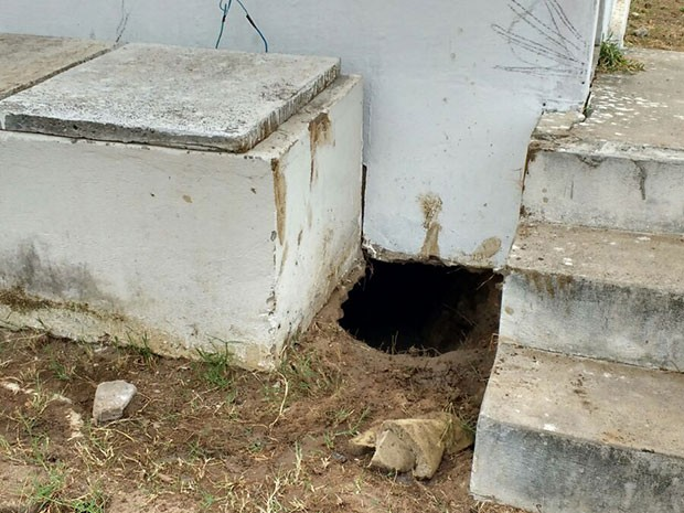 Túnel foi encontrado após revista na Cadeia Pública de Nova Cruz (Foto: G1)