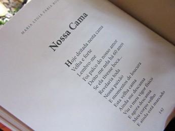 Poema de Maria Lygia que faz parte do último livro publicado por ela (Foto: Isabella Formiga/G1)