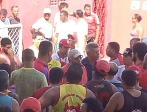 Após empate no Sub-19, torcida do Sergipe protesta ''exageradamente'' (Foto: Reprodução/Facebook)
