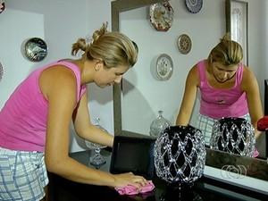Maria Luiza Vieira trabalha há 10 anos como empregada doméstica (Foto: Reprodução/TV Anhanguera)