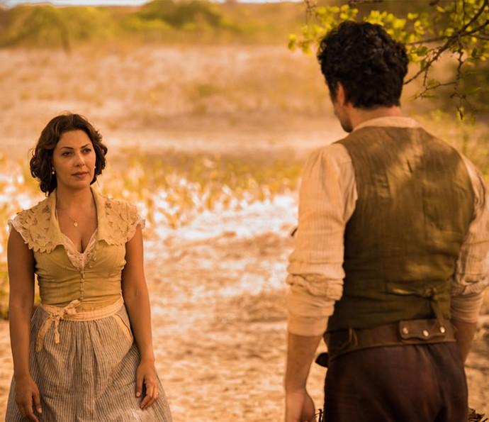 Os atores em cena como o casal Eulália e Ernesto (Foto: Caiuá Franco/ Globo)