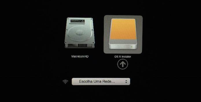 Iniciando instalação do OS X Yosemite pelo pen drive (Foto: Reprodução/Helito Bijora)
