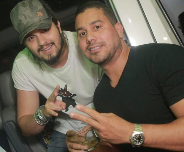 Luan Santana e Leandro Souza (Foto: Marcos Macedo/ Palmer Assessoria de Comunicação)