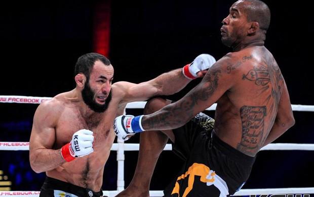 MMA Aslambek Saidov x Daniel Acácio (Foto: Reprodução/Facebook)