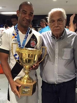 Rodrigo e Eurico Miranda título Vasco (Foto: Reprodução Instagram)