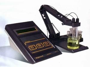 Peagâmetro: aparelho mede pH por condução elérica (Foto: MEC)