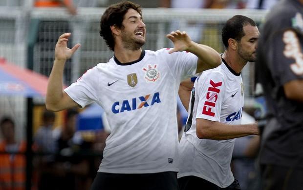 Alexandre pato corinthians gol oeste (Foto: Daniel Augusto Jr / Agência Corinthians)