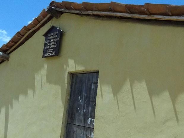 Casa de Januário e Santana, pais do Rei do Baião, foi o cenário da famosa volta do sanfoneiro para a terra natal. (Foto: Luna Markman / G1 PE)