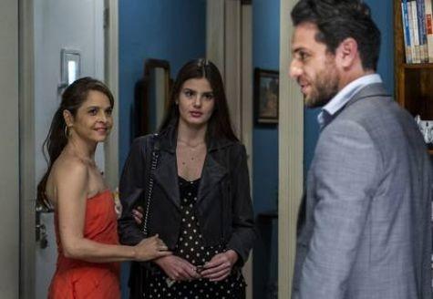 Carolina (Drica Moraes), Angel (Camila Queiroz) e Alex (Rodrigo Lombardi) (Foto: Gshow)