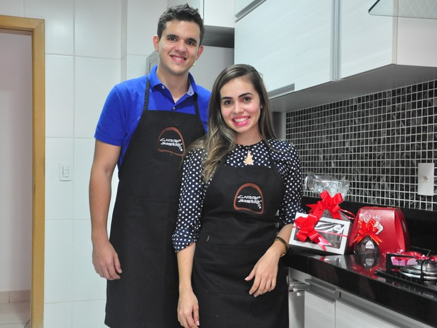 Estudantes de medicina lucram R$ 2 mil por mês com venda de doces (Foto: André Souza/G1)