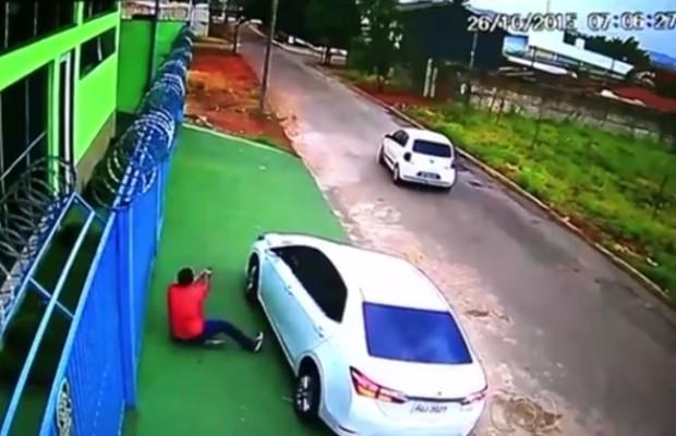 Empresário Rildo José Brasão foi morto quando chegava para trabalhar, em Goiânia, Goiás (Foto: Reprodução/TV Anhanguera)