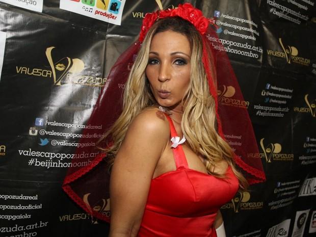 Valesca Popozuda no show no Complexo do Alemão, no Rio (Foto: Francisco Silva/ Ag. News)