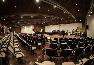 Plenário do Fórum da Barra Funda, na zona oeste de São Paulo, onde 26 policiais militares serão julgados pelo caso que ficou conhecido há mais de 20 anos como Massacre do Carandiru (Foto: Marcelo Camargo/ABr)