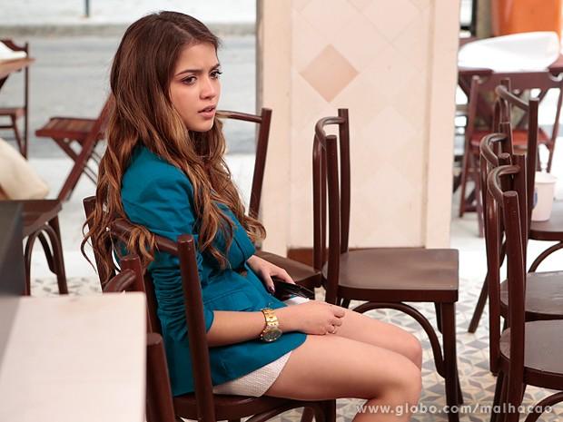 Flaviana acaba sozinha no Embaixada do Gol (Foto: Felipe Monteiro / TV Globo)