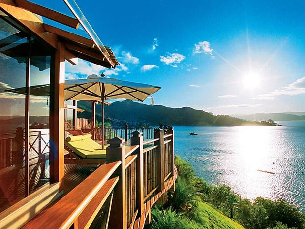 Resort em Governador Celso Ramos tem apenas 25 bangalôs, todos de frente para o mar (Foto: Ponta dos Ganchos Resort/Divulgação)