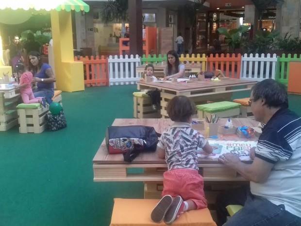 Oficina ocorre até 14 de agosto, na Alameda do Shopping Parque Dom Pedro  (Foto: Bianca Belonci)