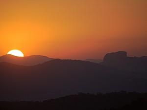 Pôr do sol Pedra do Baú Especial de Inverno (Foto: Ricardo Martins/Arquivo Pessoal)