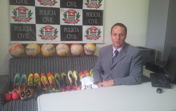 Delegado torcedor do São Vicente  (Foto: Lizie Rodrigues)