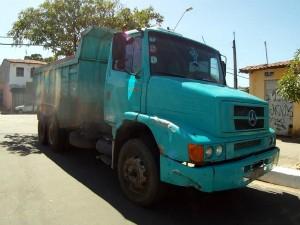 Motorista foi perseguido por população (Foto: TV Verdes Mares/Reprodução)