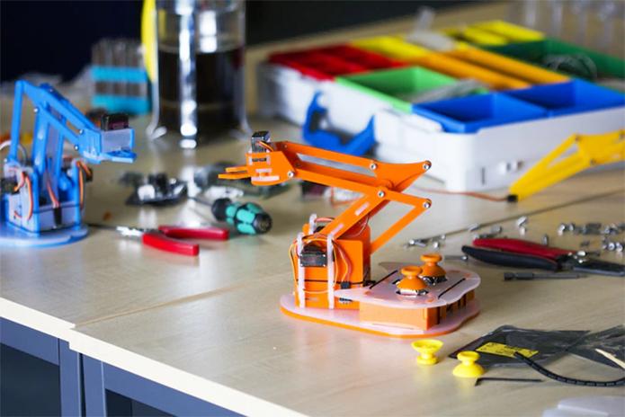 O MeArm Pi consiste num kit que pode ser montado pelo usuário (Foto: Divulgação/Mime)