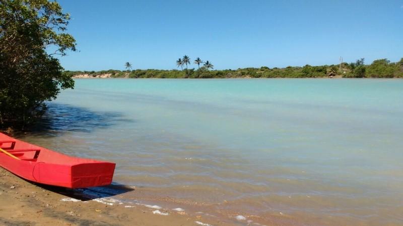 Águas cristalinas na Praia de Urussuquara (Foto: Samira Fernandes/ A Gazeta)