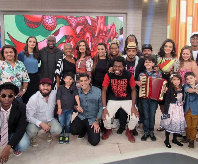 Convidados do Encontro reunidos com Fátima Bernardes (Foto: Juliana Hippertt/Gshow)