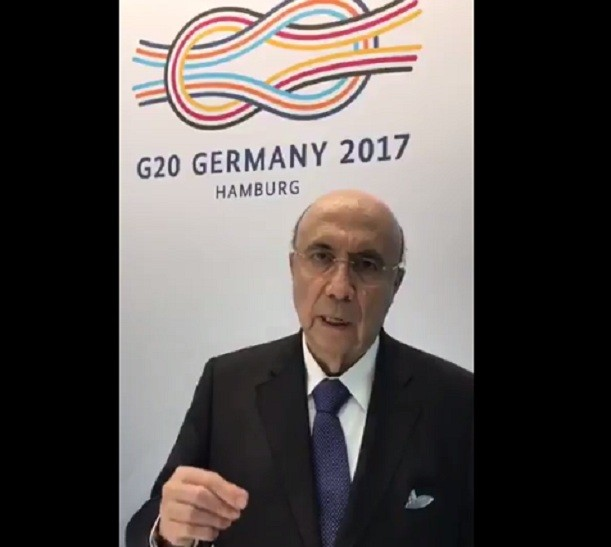 Henrique Meirelles grava vídeo no G-20  (Foto: Reprodução twitter @meirelles )
