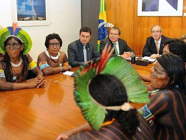 Eduardo Cunha se reuniu com índios no início deste ano, em Brasília (Foto: J.Batista / Câmara dos Deputados)