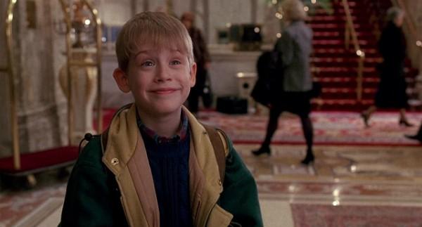 Macaulay Caulkin já era a estrela dos dois 'Esqueceram de Mim' quando recebeu US$8 milhões por 'Acertando as Contas com o Papai' (1993) e o mesmo valor por 'Riquinho'  (1994) (Foto: Reprodução)