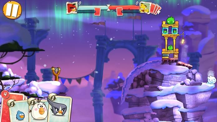 A arena de Angry Birds 2 parece com o resto do jogo, porém sua pontuação será medida contra a do seu adversário (Foto: Reprodução/Rafael Monteiro)