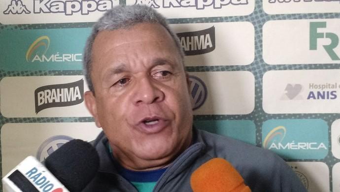 Hélio dos Anjos - técnico do Goiás (Foto: Emilio Botta / GloboEsporte.com)