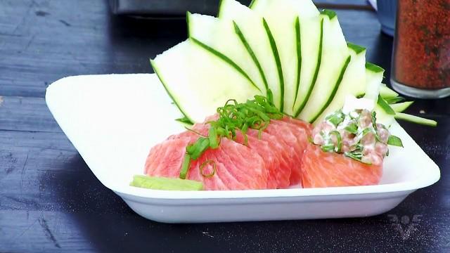 Comida japonesa é tendência nas praias da região (Foto: Reprodução/TV Tribuna)
