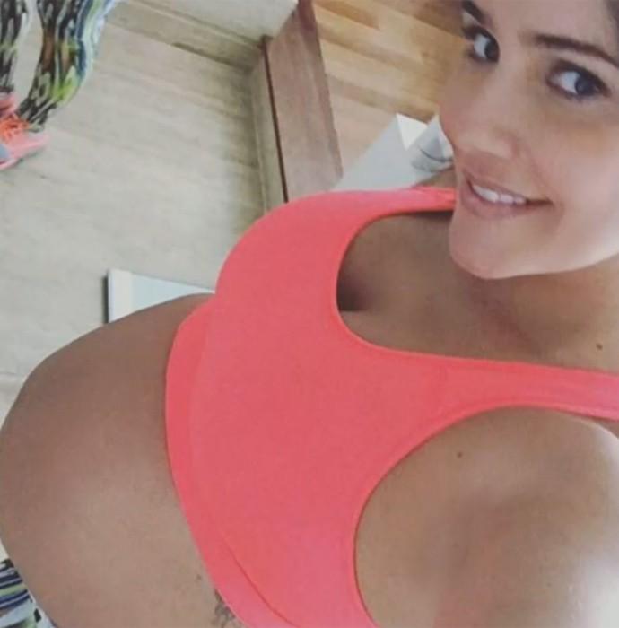 Deborah Secco posta foto mostrando a barriguinha (Foto: Vídeo Show / TV Globo)