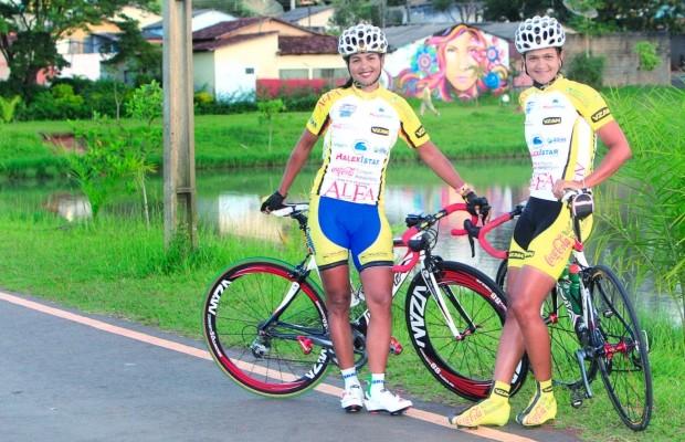 Clemilda e Janildes Fernandes, ciclistas goianas (Foto: Zuhair Mohamad/O Popular)