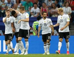 Alemanha comemora o gol de Timo Werner contra Camarões (Foto: Reuters)