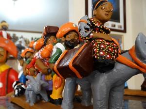 Retirantes está entre as peças de Mestre Luiz Antônio mais comprada  (Foto: Thays Estarque/ G1)