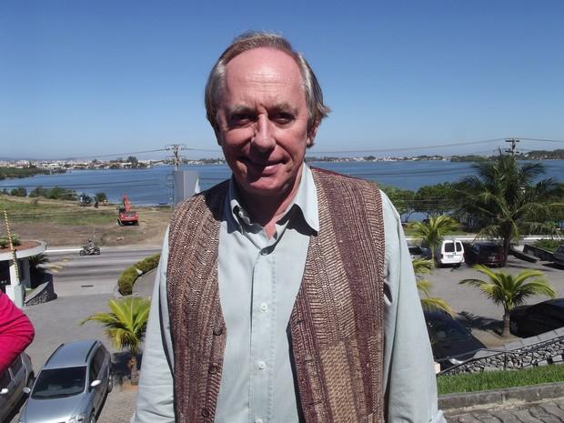 O secretário do Ambiente, Carlos Minc, inagurou o defeso da Lagoa de Araruama nesta quinta-feira (Foto: Tomás Baggio/G1)